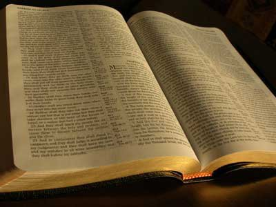2015-ben is a Biblia mindenkié