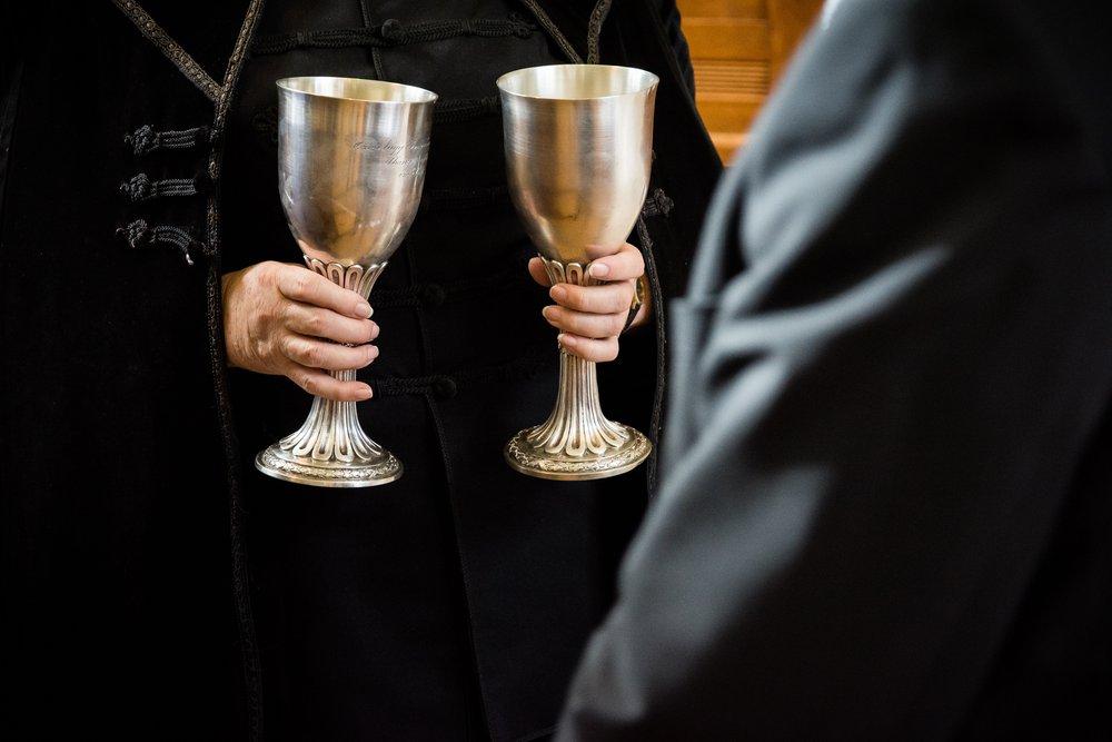 Szüneteltessenek minden egyházi alkalmat!