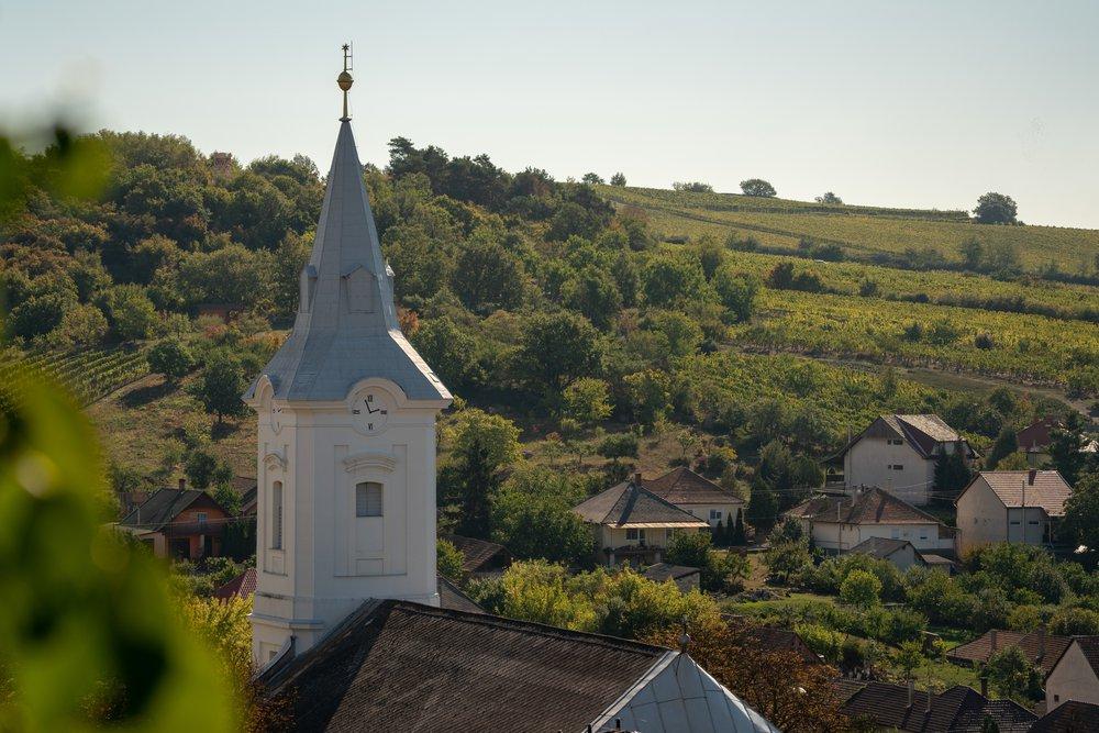 Mostantól maszk nélkül is látogathatók a református istentiszteletek és egyházi rendezvények